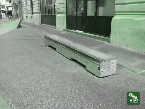 CURB DROIT Skatepark Streetpark Bourse rue Leon Cladel