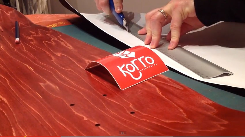 VIDEO Personnalisation de skate par Korro Skateboards
