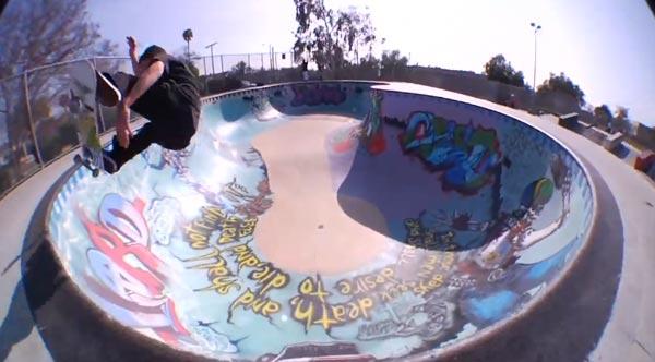 HOLD IT DOWN video Element Skateboards frontside 180° dans le bowl