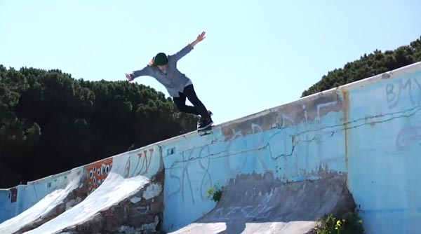 HOLD IT DOWN video Element Skateboards backside smith grind sur le wall