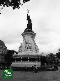 Spot de skate Place de République 011