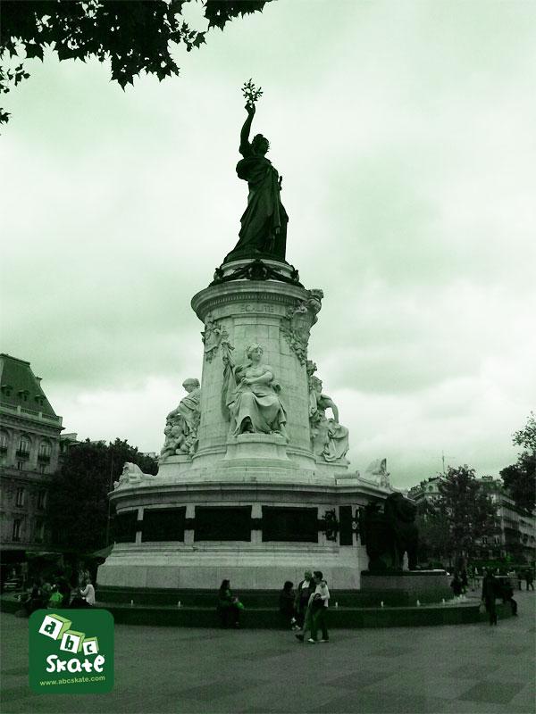Spot de skate Place de la république