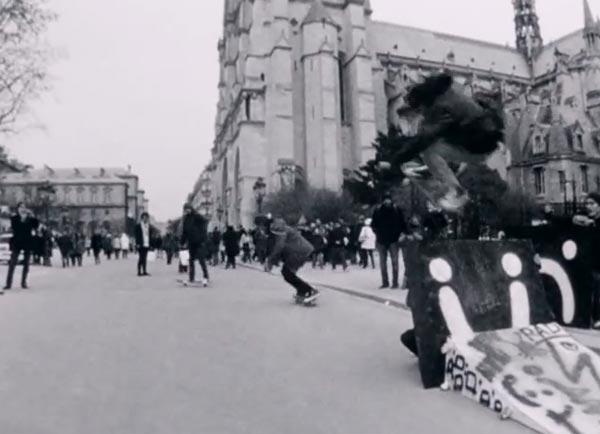 Ttrocadero days par converse skateboarding Ollie devant Notre Dame de Paris