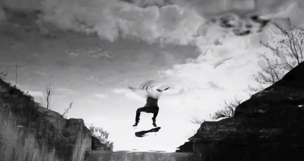 """Flip d'eau, Vidéo """"HYBRIDATION"""" de ©Fred Mortagne"""