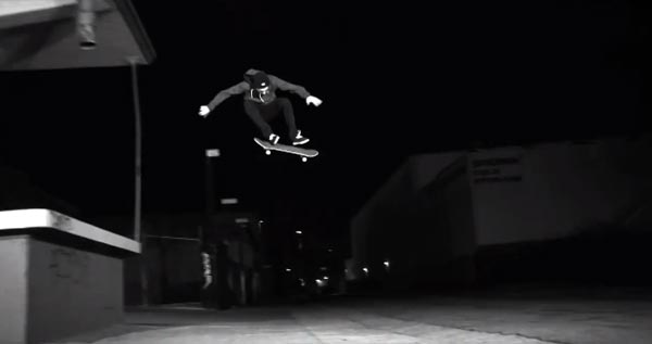 "Gros flip, Vidéo ""HYBRIDATION"" de ©Fred Mortagne"