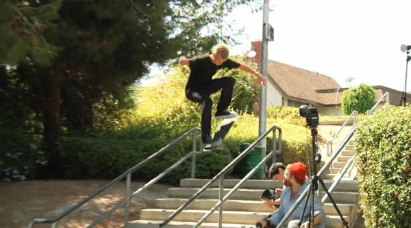 """film skate """"True to this"""" de Volcom Ollie flip to crook"""