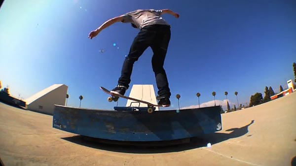 john dilorenzo skateboarder video pour split clothing - Five O