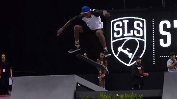 ishod wair skateboarder skater of the year 2013 : ollie 180° flip frontside