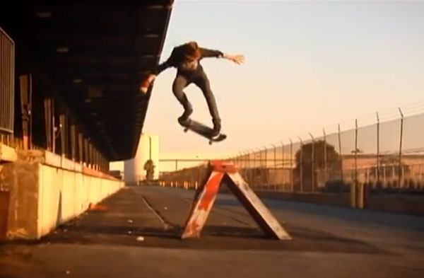 Patrick Melcher skateboarder : Ollie over gap