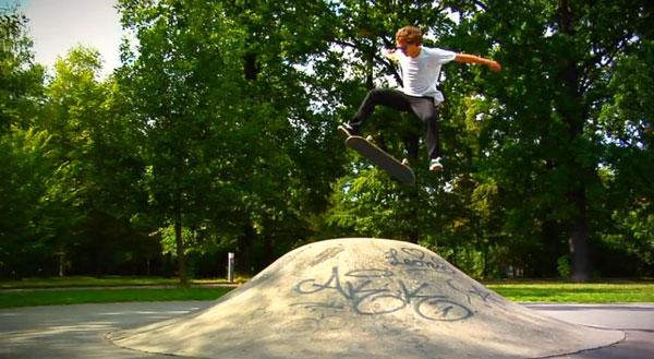 Team Emerica in Berlin : flip