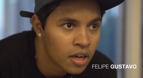 Skateboarders au bureau à Chicago : Felipe Gustavo