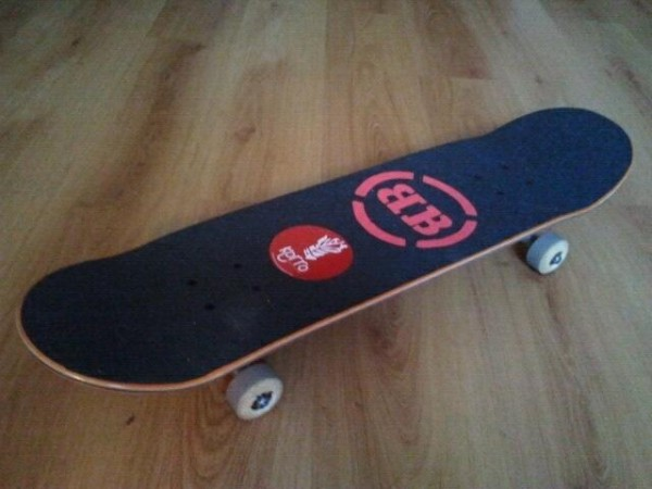 Korro Skateboards : grip personnalise BB