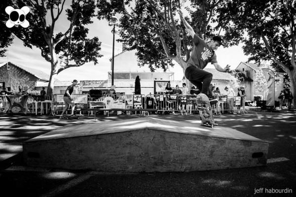 Contest skate kill the curb 2014 : nose blunt slide (crédit : Jeff Habourdin)