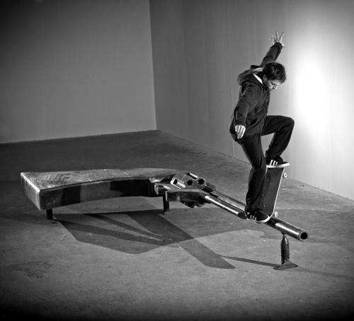 madenom-skateboard-gun2
