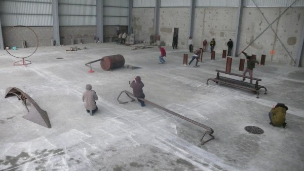 madenom skateboard : skatepark avec modules acier