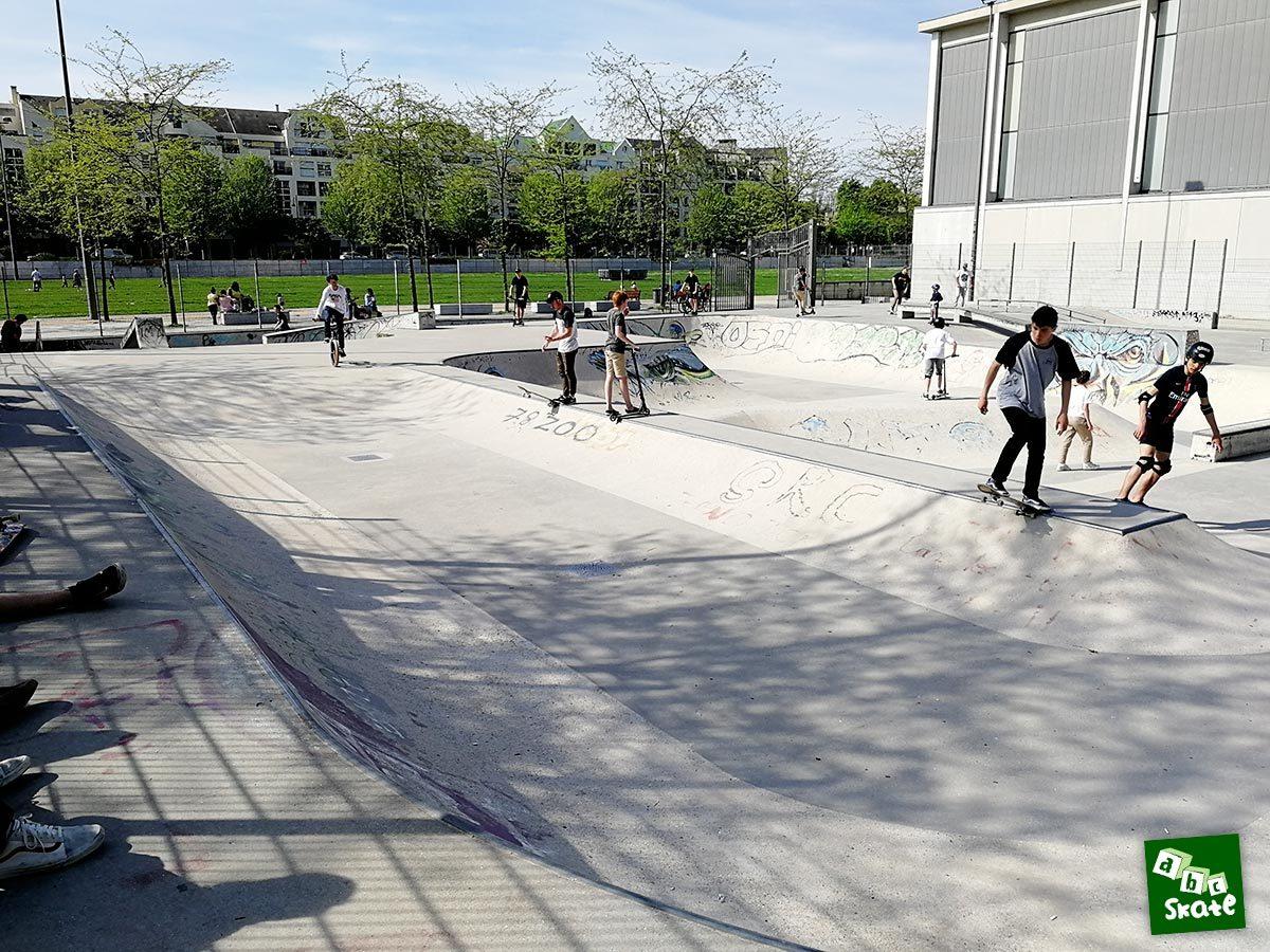 Skatepark Rueil-Malmaison : drop mini rampe