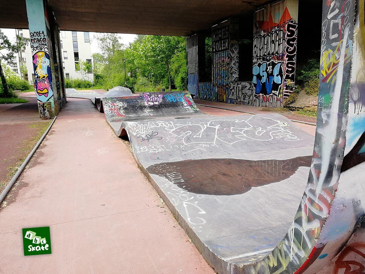 Skatepark la Courrouze : quarter et bosses