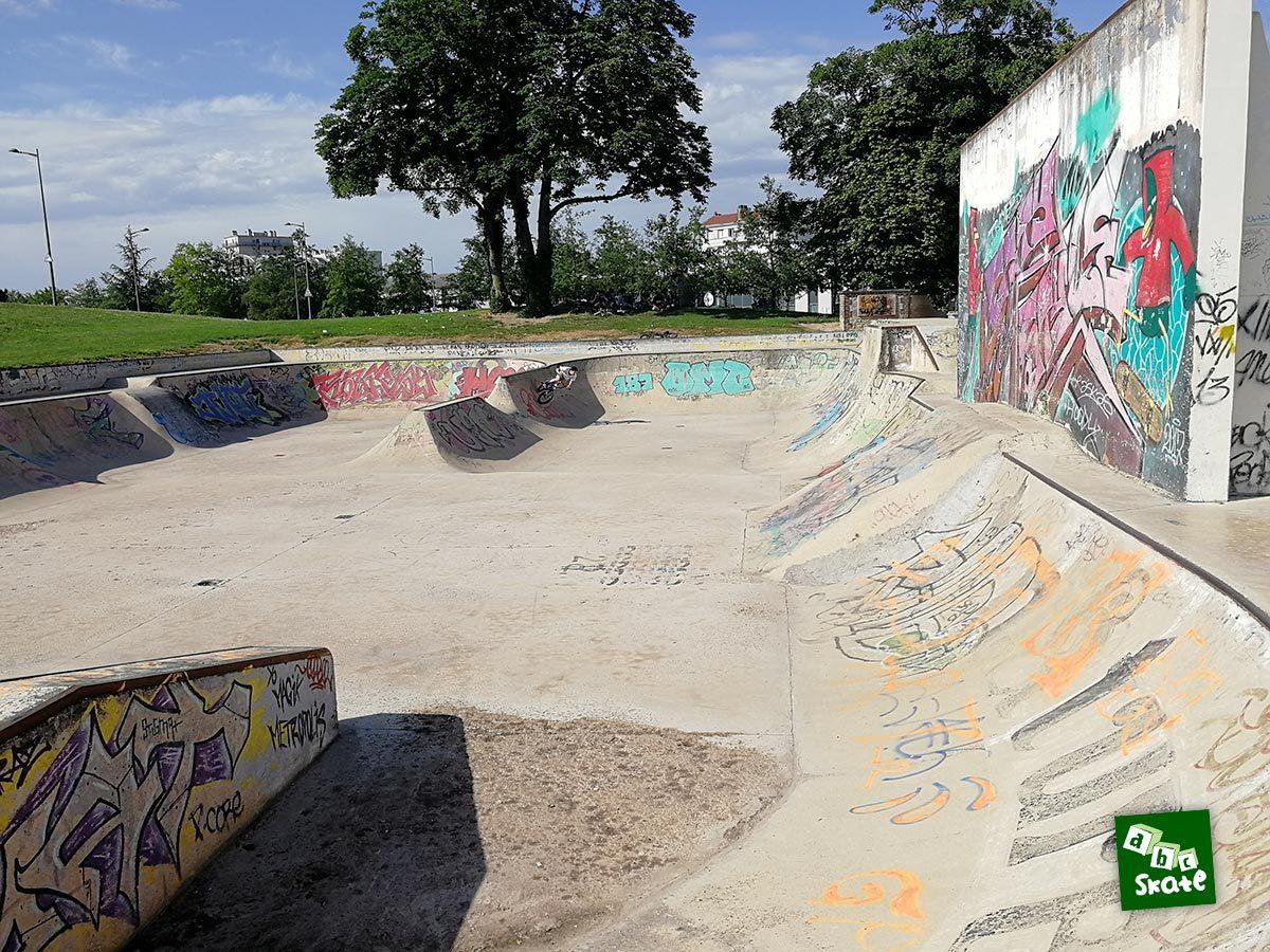 Skatepark de Troyes : vue d'ensemble de droite