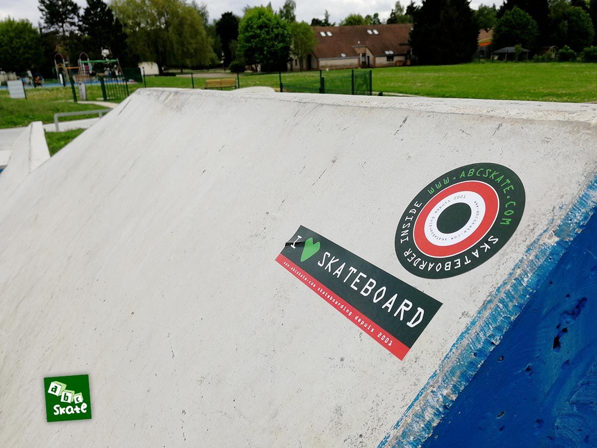 Skatepark Saint-Nom-La-Bretèche : stickers ABCSkate