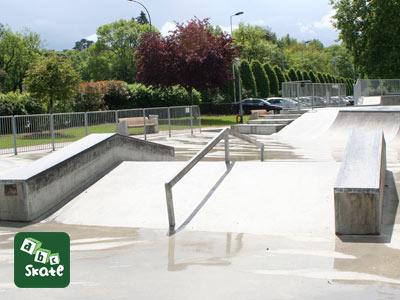 AbcSkate-skatepark-Poissy-Yvelines-1650-m2-rider